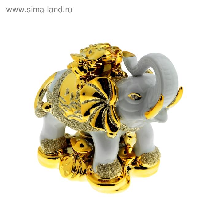 """Нэцкэ """"Белый слон с золотой жабой на спине"""""""