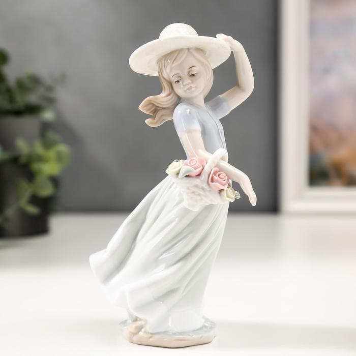 """Сувенир """"Девочка в шляпке с корзинкой цветов"""""""
