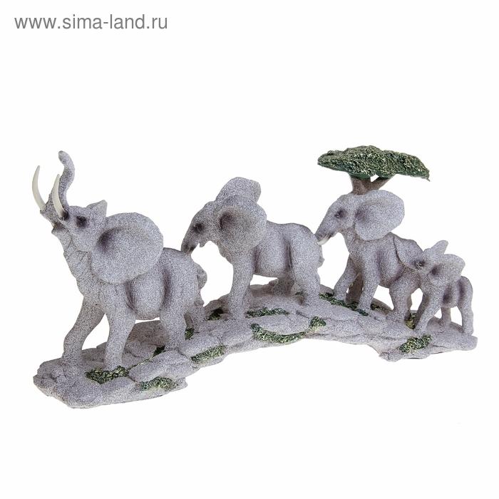 """Сувенир """"Стадо африканских слонов"""""""