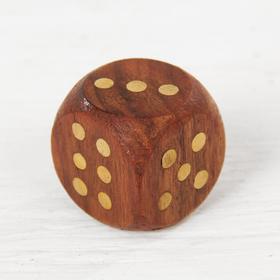 Игральные кубики в шкатулке Ош