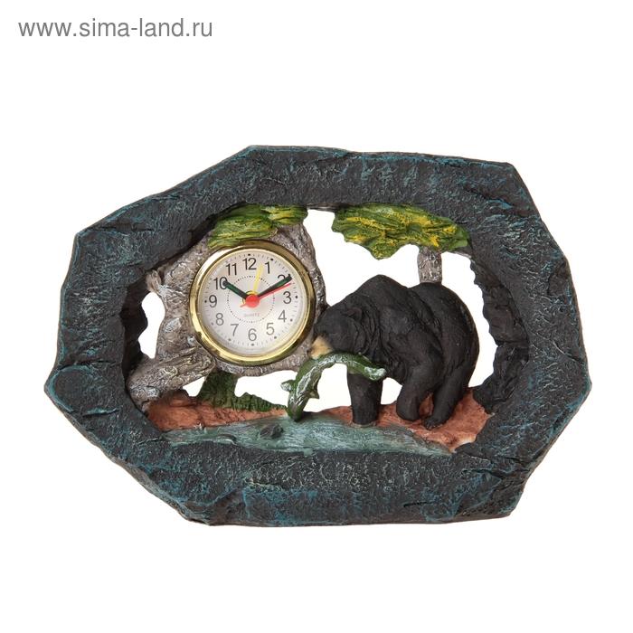 """Часы настольные """"Медведь с рыбой"""""""