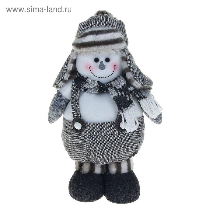 """Мягкая игрушка """"Снеговик в серой ушанке"""""""