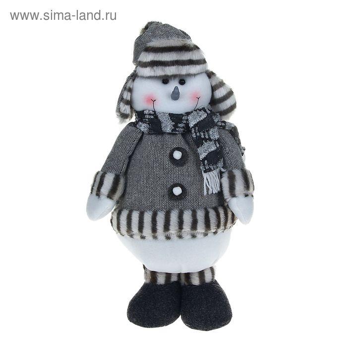 """Мягкая игрушка """"Снеговик в сером костюме"""" (пуговка)"""