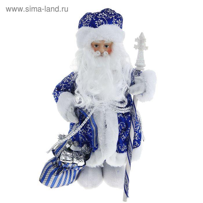 Дед Мороз в валенках в синей шубе