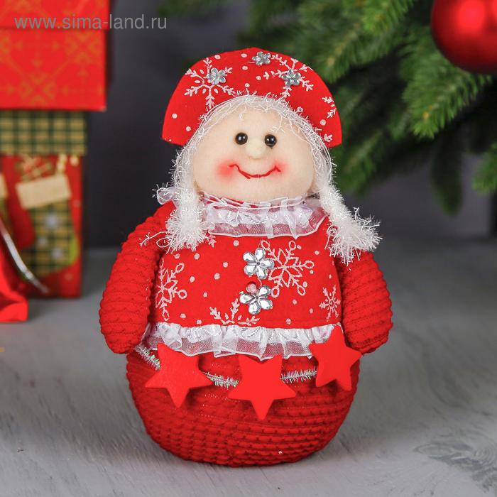 """Мягкая игрушка """"Девочка"""" (красная, вязаная, снежинки и звёзды)"""