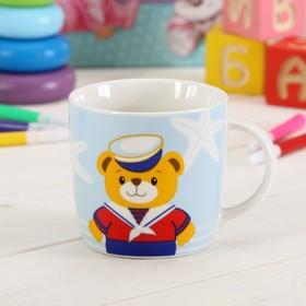 """Кружка детская 280 мл в подарочной коробке с игрушкой """"Мишка-моряк"""""""