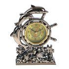 Часы настольные циферблат в форме штурвала три дельфина 16,5*12*4,5 см микс